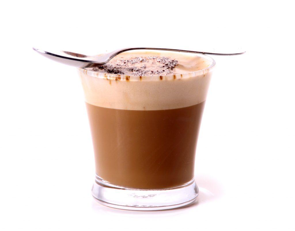 café moca con espuma